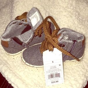 NWT Size 5 toddler shoes